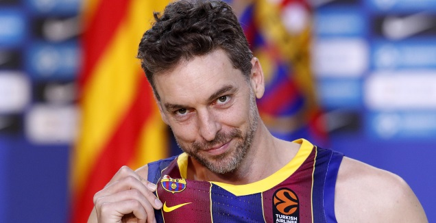 Laporta was present, Pau Gasol was officially introduced in Barcelona